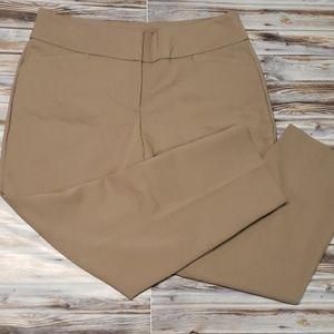 Apt.9 Khaki Capri Pants